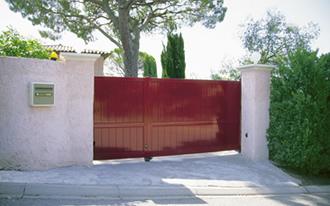 syst mes d 39 ouverture des portails aluminium portail battant portail alu autoportant. Black Bedroom Furniture Sets. Home Design Ideas